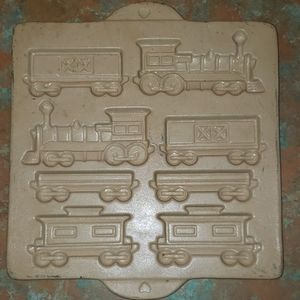 Pampered chef train mold